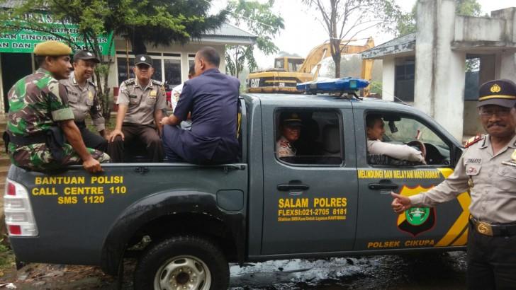 POLISI, TNI DAN SATPAM BEGANDENGAN LAKUKAN PATROLI KAWASAN INDUSTRI TERPADU