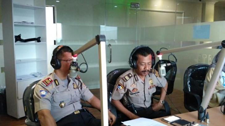 LEWAT RADIO, POLISI SOSIALISASI SABER PUNGLI