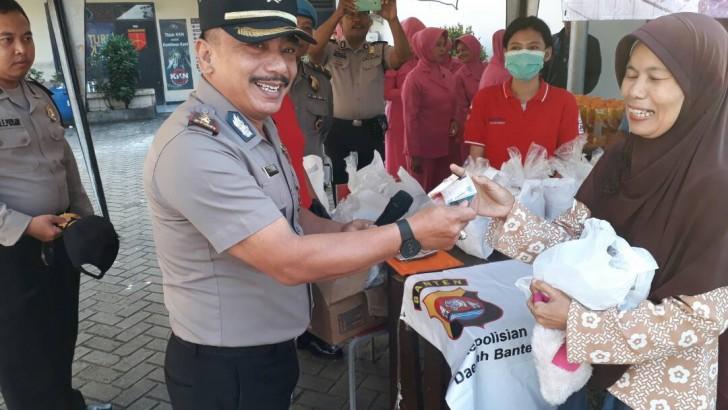 Polsek Tigaraksa Gelar Operasi Pasar Ramadhan