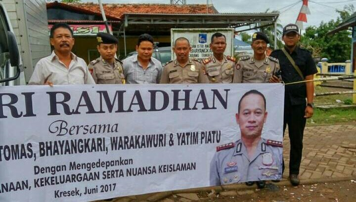 Safari Ramadhan, Polsek Kresek Kerja Sama Dengan Yayasan Dharma Suci Gelar Bakti Sosial