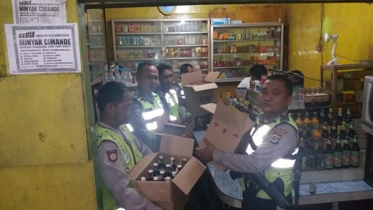 Puluhan Botol Miras dan Sejumlah Kendaraan Bermotor Terjaring Operasi Cipta Kondisi Polresta Tangerang