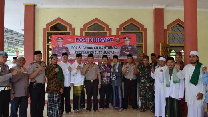 Pos Khidmat di Mesjid Al-Jihad, Kapolresta Tangerang Ingatkan Jaga Kerukunan