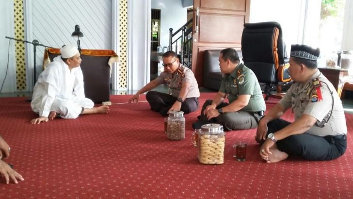 Redam Isu Penyerangan Pemuka Agama, TNI-Polri Sowan ke Kiai