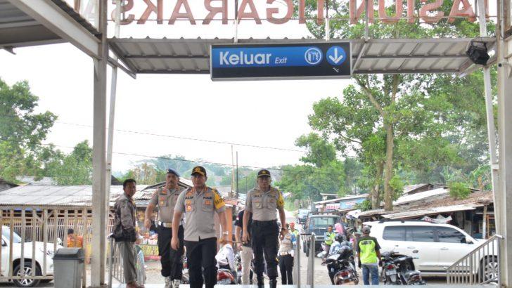 Jelang Natal dan Tahun Baru, Kapolresta Tangerang Pantau Kemanan di Stasiun Kereta