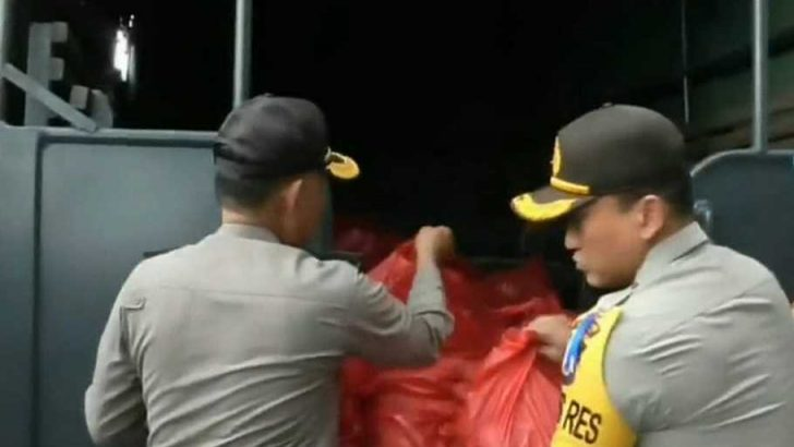 Dua Ton Paket Sembako Siap di Kirim Polresta tangerang untuk Korban Tsunami