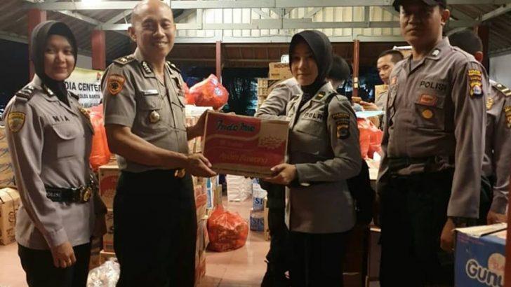 Polres Kota Tangerang Memberikan Bantuan Peduli Bencana di Anyer