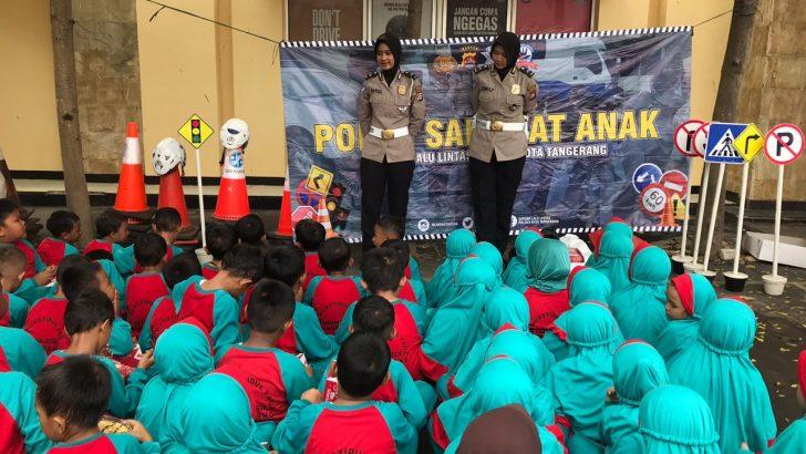 Tertib Lalu Lintas Sejak Dini, Polwan Satlantas Polresta Tangerang Sambangi Madrasah