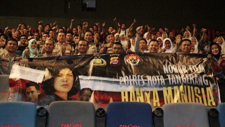Wakapolresta Tangerang dan Ratusan Pelajar Nobar Film Hanya Manusia