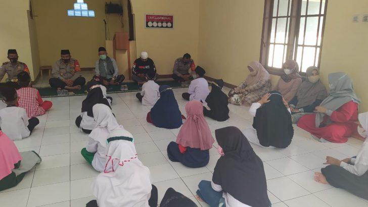 Binrohtal Polsek Cikupa Polresta Tangerang Santuni Anak Yatim