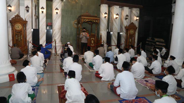 Laksanakan program Kapolda Banten Subuh keliling, Kapolresta Tangerang sambangi ponpes Tarbiyatul mubtadi'in