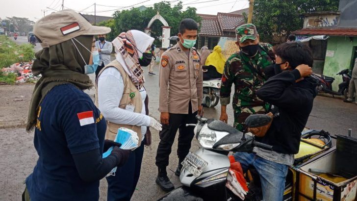 Polsek Mauk Polresta Tangerang dan Muspika Laksanakan Operasi Yustisi di Pasar Tradisional