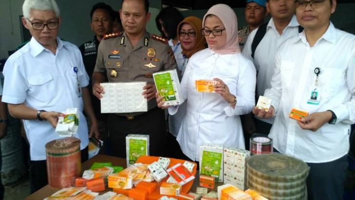 Kosmetik Ilegal : Polres Kota Tangerang Bersama Badan POM, Gerebek Parbrik Kosmetik Ilegal di Tangerang