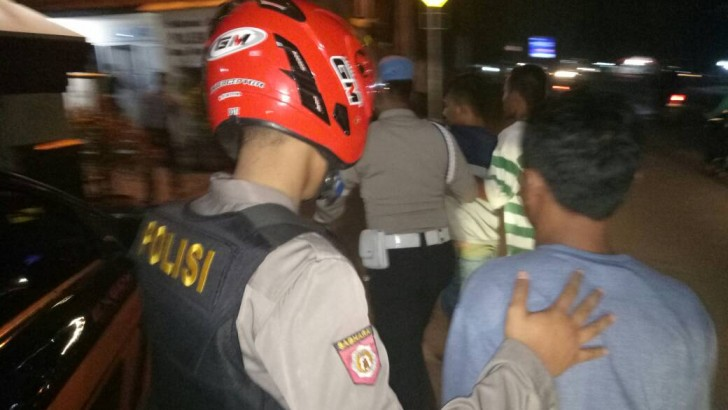 Ugal-Ugalan di Jalanan, Tiga Pemuda Dalam Pengaruh Miras Diamakan Polisi