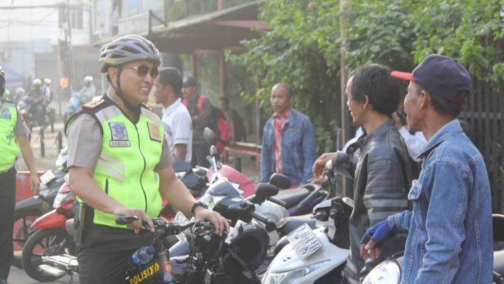 Kapolresta Tangerang Patroli Sambil Bersepeda