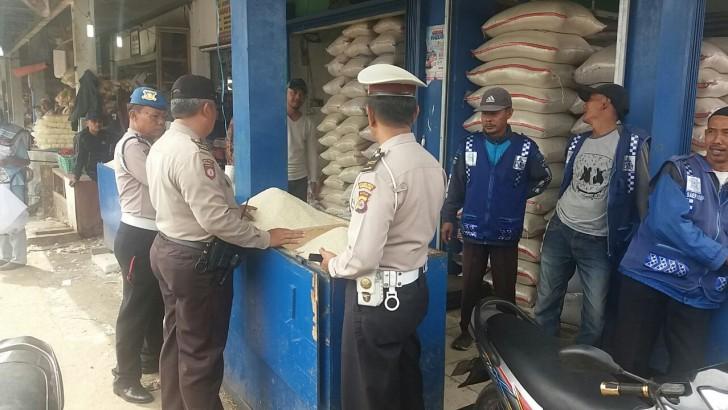 Polisi di Tangerang Serentak Gelar Operasi Pasar