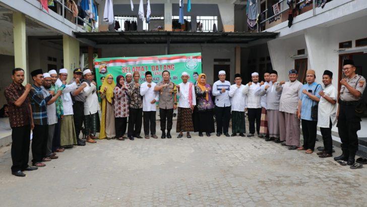Kunjungi Pondok Pesantren, Kapolresta Tangerang Ajak Santri Lawan Radikalisme