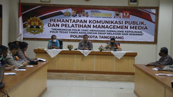Gelar Pelatihan Manajemen Media, Polresta Tangerang Tatar Anggota Supaya Mahir Menulis