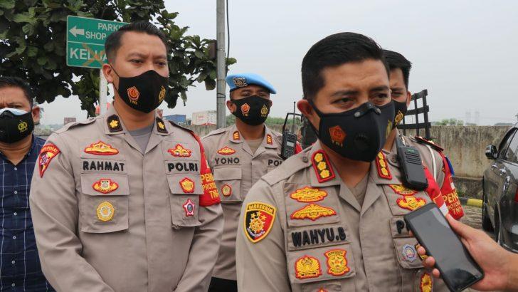 Kapolresta Tangerang melaksanakan kegiatan pengecekan titik-titik Penyekatan Larangan Mudik