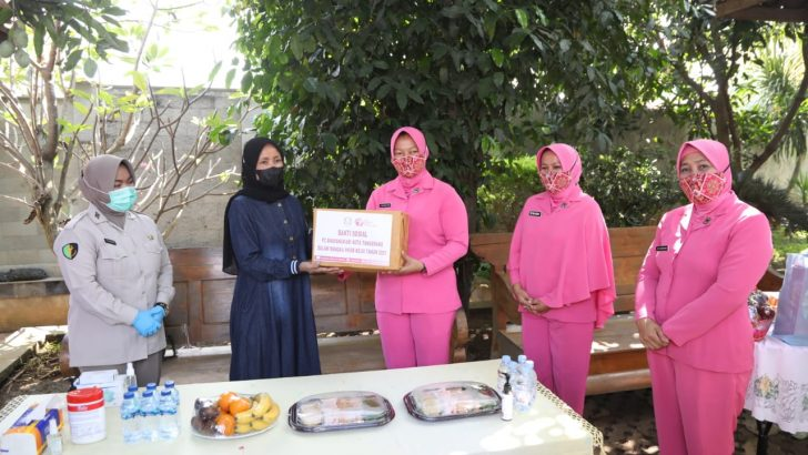 Sambut Hari Bhayangkara ke-75, Polresta Tangerang Anjangsana ke Keluarga Anggota