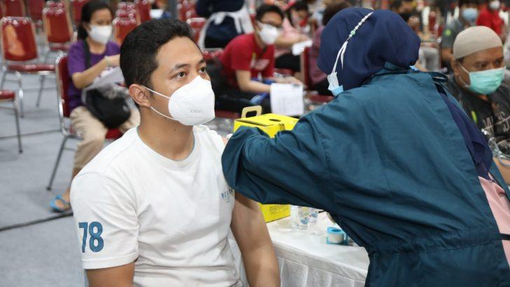 Peringati HUT Bhayangkara ke 75, Polresta Tangerang Gelar Vaksinasi Massal di Mall Ciputra