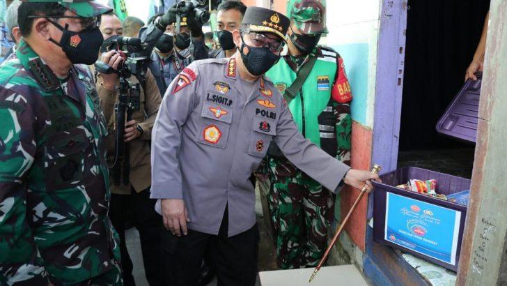 Kapolri Sebut 475.420 Paket dan 2.471.217 Kg Beras ke Warga Selama PPKM Darurat