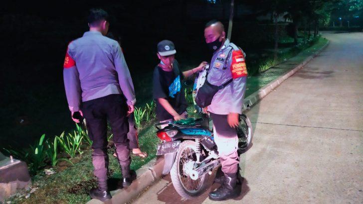 Tekan Angka Kriminalitas, Polsek Panongan Polresta Tangerang Gelar Operasi Cipkon dan Yustisi dalam Rangka Pembatasan Kegiatan Masyarakat (PPKM) Level 3.
